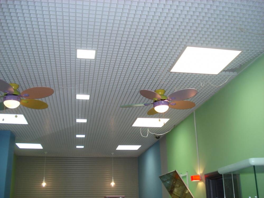 Светильники для подвесных потолков грильято
