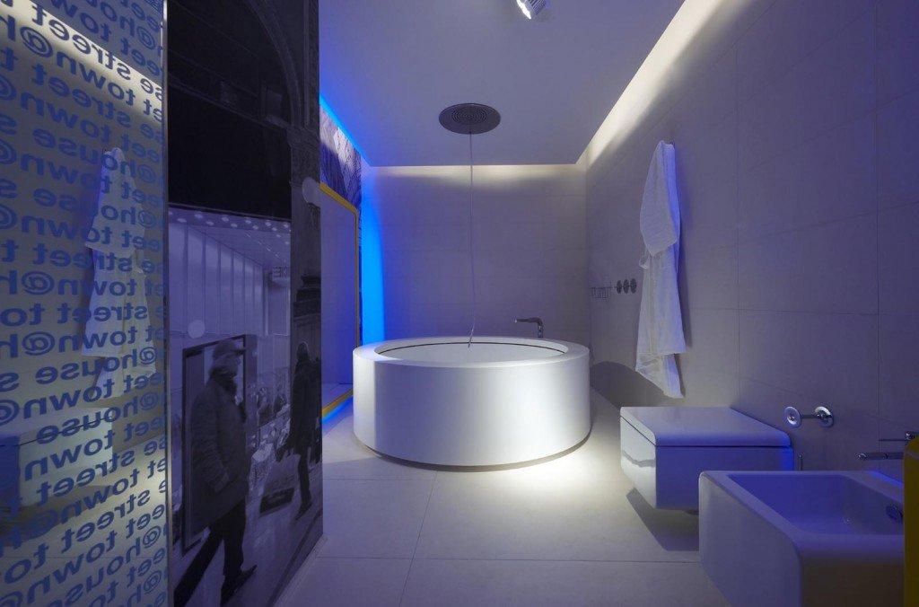 Светодиодная подсветка потолка в ванной