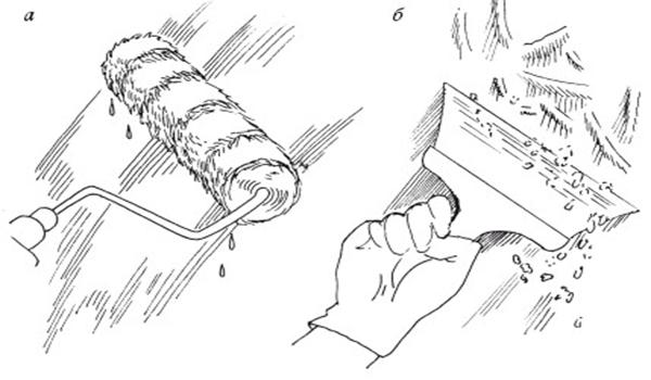 Удаление побелки с потолка: а) увлажнение; б) снятие с помощью шпателя