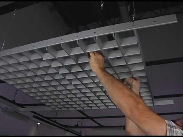 Укладка решетки потолка
