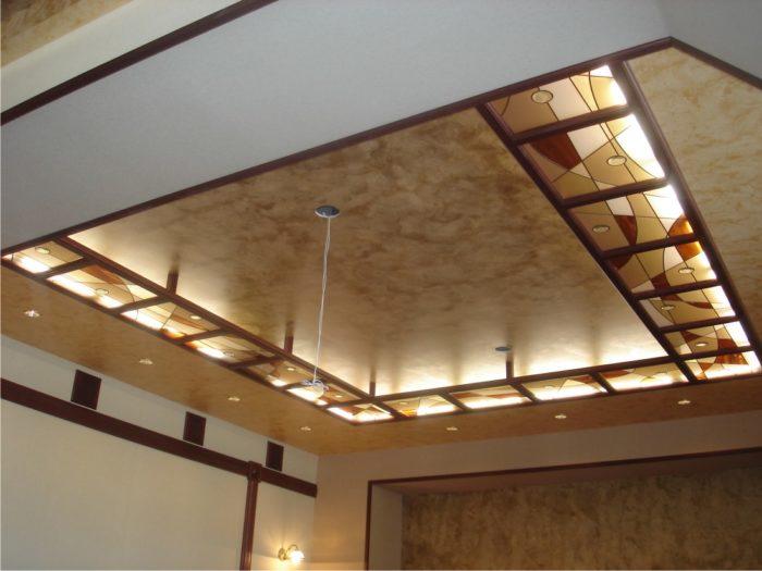 Витражный потолок