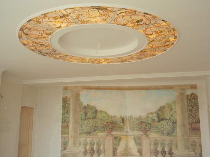 Витражный потолок в гипсокартонном коробе