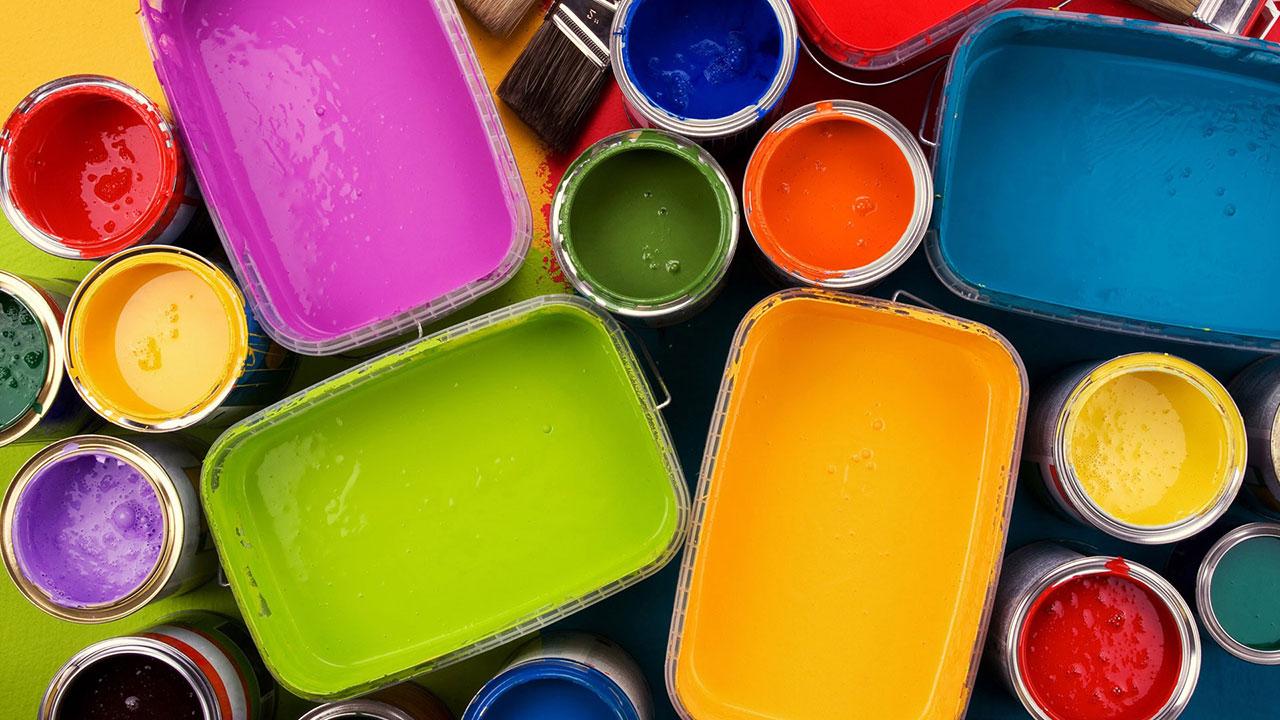 Выбор краски для росписи потолка