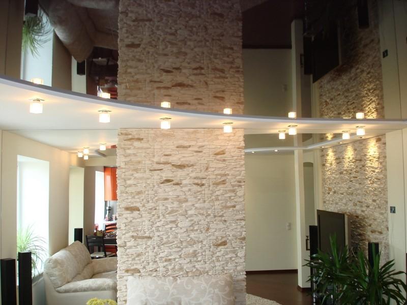 Зеркальный натяжной потолок в интерьере